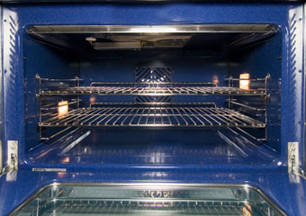 NXR Ranges feature ceramic ovens with heavy duty hinges